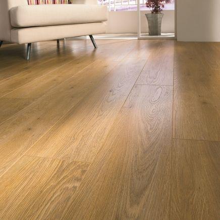 Professional V-Groove Oak laminate flooring - Howdens Laminate flooring