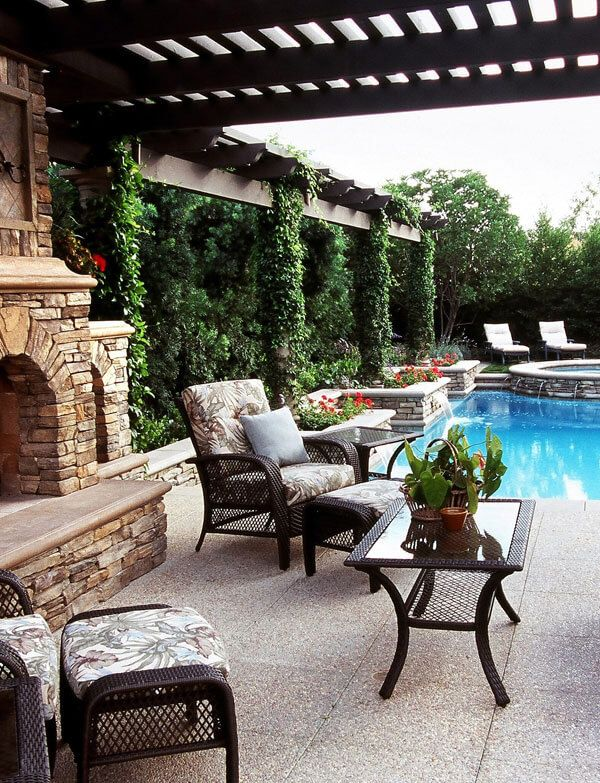 Enjoy your #backyard paradise with a perfect centerpiece    #patio #patiodecor
