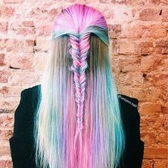 Unicorn hair goals via @unicorn.hair #pastelhair #hairgoals #pink #fishtail #braid #emiunicorn #