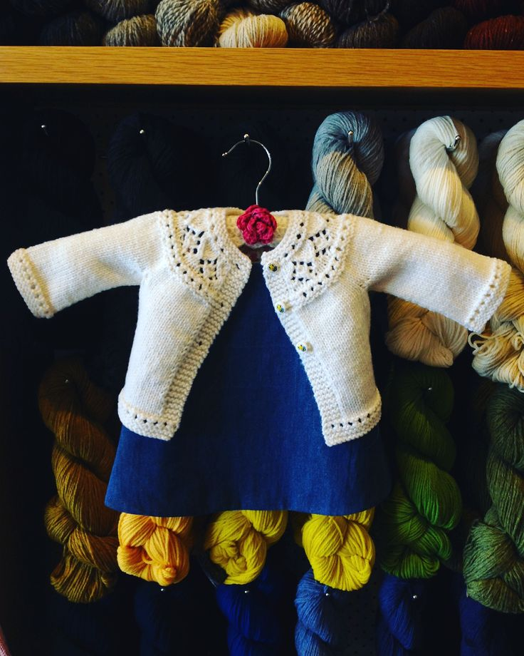 This super cute baby cardigan was so quick to knit in 8ply / dk. The pattern can be found on Ravelry. Search for Posy Cardigan by Georgie Nicholson.