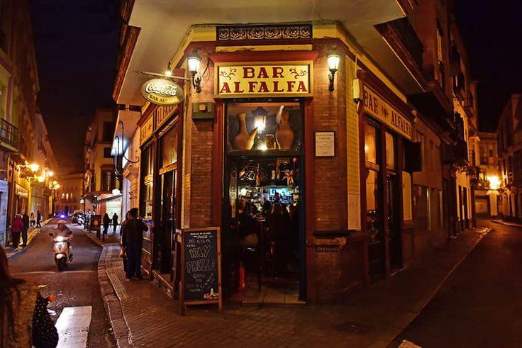 Den populära baren Alfalfa i Andalusien.