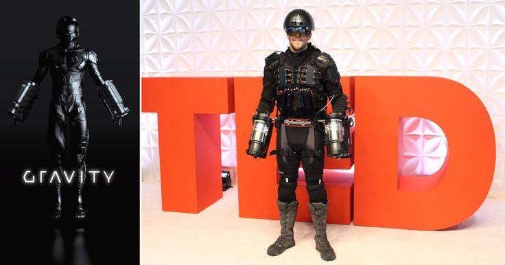 Британский конструктор летательного костюма в стиле Железного Человека, продемонстрировал его возможности на конференции TED в Ванкувере.