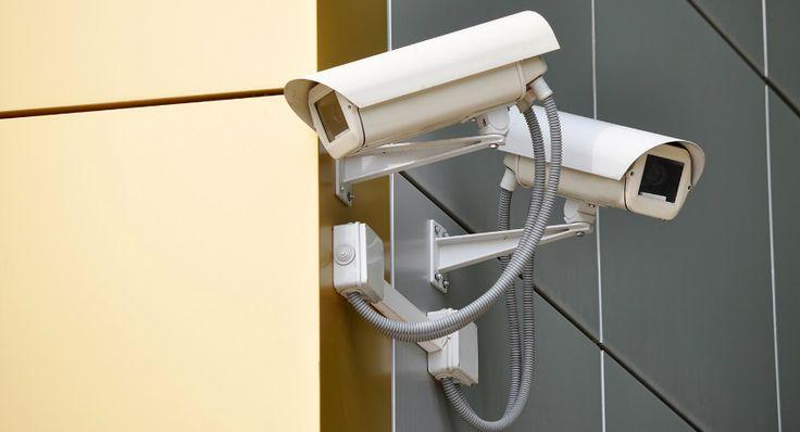Готовые комплекты видеонаблюдения для частного дома: надежная защита жилья http://remoo.ru/okna-i-dveri/gotovye-komplekty-videonablyudeniya-dlya-chastnogo-doma/