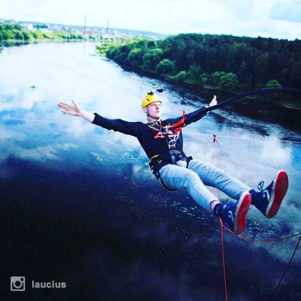 Bungee jumping in Kaunas | Woact.com | Photo by @laucius