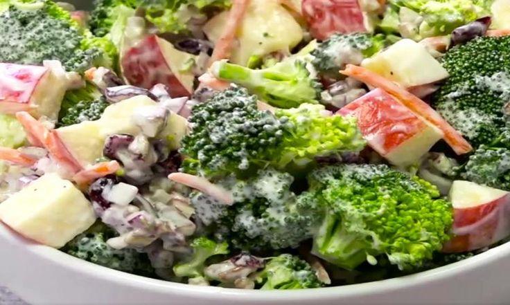 Coup de coeur pour la salade de brocoli, pommes et noix dans sa vinaigrette au yogourt grec