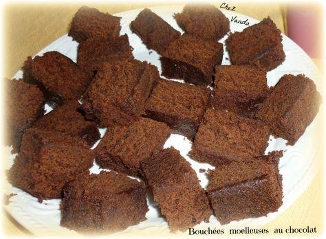 Chocolat .....Chocolat .... Qui aime le chocolat et les gâteaux vite fait ? Mr Vanda ne dit pas non ... bien au contraire et il mange ma part . recette issue du livre WW *saveur au micro ondes * de 2008 Bouchées moelleuses au chocolat Pour 24 bouchées...