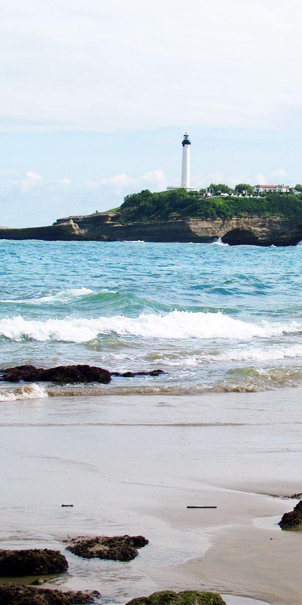Découvrez l'art de vivre du Pays Basque : concerts de chants Basques, les Fêtes de Bayonne et les foires artisanales. #vacances #mer