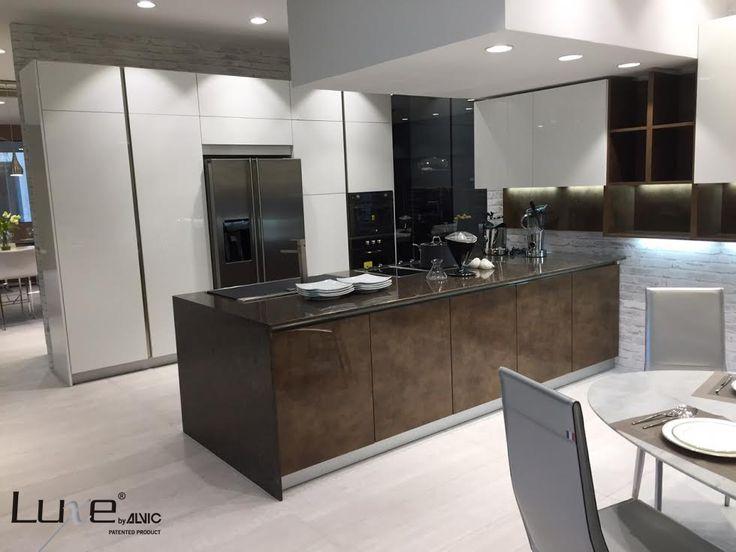 Proyecto de cocina luxe by alvic en alto brillo puertas - Proyectos de cocinas ...