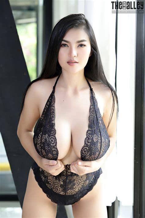 καμπύλες Ασίας πορνό
