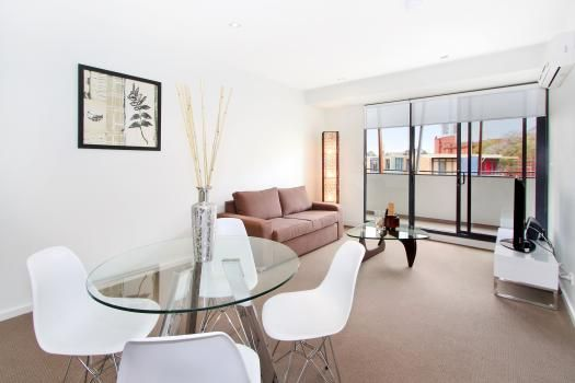16/23 Irwell Street, St Kilda, Melbourne. This one bedroom St Kilda apartment epitomises modern and elegant apartment accommodation right in the middle of this sought after Melbourne suburb. The north facing apartment has abundant natural light and guests are advised to take advantage of the large balcony with great views over St Kilda.
