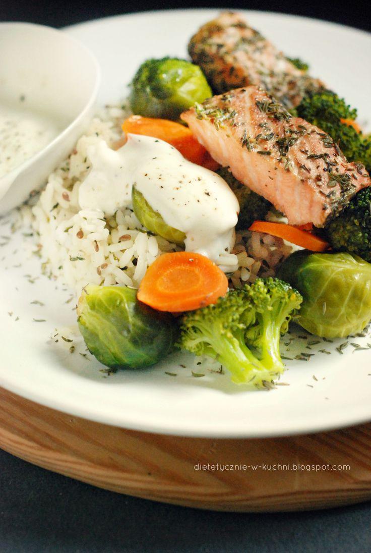 Moje Dietetyczne Fanaberie: Tymiankowy ryż z warzywami na parze i łososiem