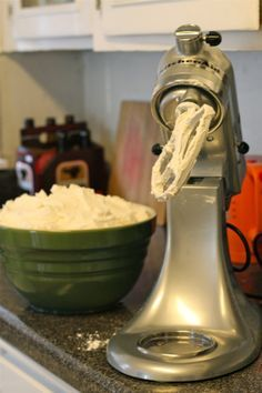 crusting no-melt buttercream. This is my go-to wedding cake frosting for the times when heat and humidity are an issue