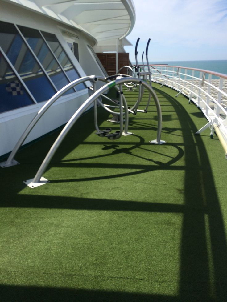 Crystal Cruises - Crystal Symphony, Exercise on deck