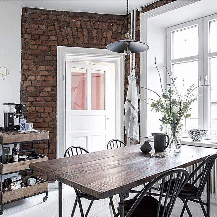 "Eva auf Instagram: ""Mysigt kök @alvhemmakleri Den serveringsvagnen #inspiration #kitchen #köksinspiration #kök #kitchendesign #interior #interiör #interiør #inredning #inspiration #roomforinspo #finahem #tegelvägg #interior123 #interior4all #design #decoration #evalevaboinspo"""