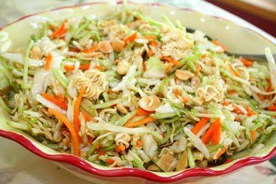 Ramen noodle saladLow Sugar, Oriental Salad, Side Dishes, Business Mom, Asian Style, Mom Recipe, Ramen Noodles, Potluck Dishes, Noodle Recipes
