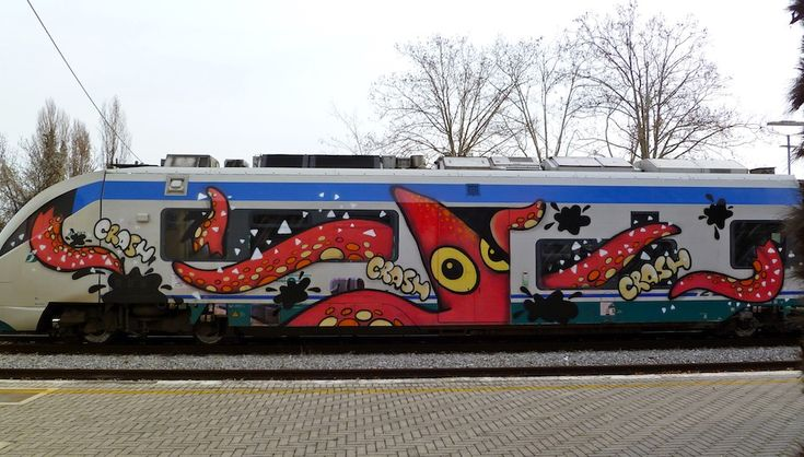 Fantastic grafitti art seen on the train lines of Italy!  The Wooster Collective does a great job bringing street artists together!