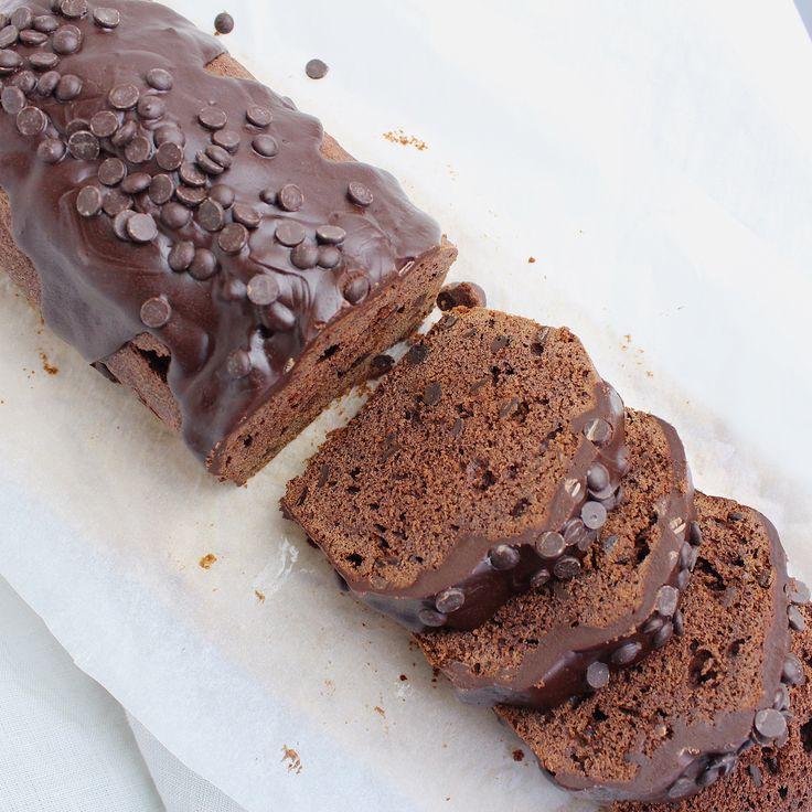 Ben jij net als ik gek op chocolade? Dan eet jij ook je vingers op bij deze dubbele chocoladecake..Je moet hem maar een keer proberen..