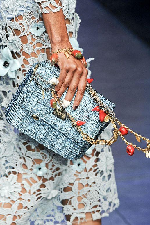 Spring 2012 Handbags And Shoes: Dolce Gabbana Women Collection | Estilo Tendances