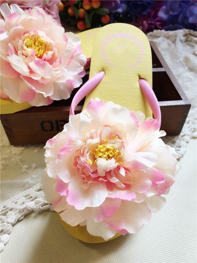 $8.79 (Buy here: https://alitems.com/g/1e8d114494ebda23ff8b16525dc3e8/?i=5&ulp=https%3A%2F%2Fwww.aliexpress.com%2Fitem%2FHAHA-FLOWER-New-summer-hot-sweet-colorful-cosmos-slippers-cool-beach-women-sandals-handmade-Artificial-flowers%2F32741807861.html ) HAHA FLOWER New summer hot sweet colorful cosmos slippers cool beach women sandals handmade Artificial flowers Flip flops for just $8.79