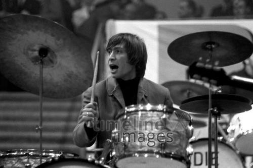 Charlie Watts in Halle Münsterland Hermann Schröer/Timeline Images #1965 #60s #60er #Rock #Konzert #Musik #Schlagzeug #Drums