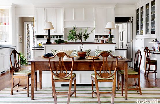 Connie Newberry in HB April 2013 - built in banquette with raised back, farm house table, contrasting chairs