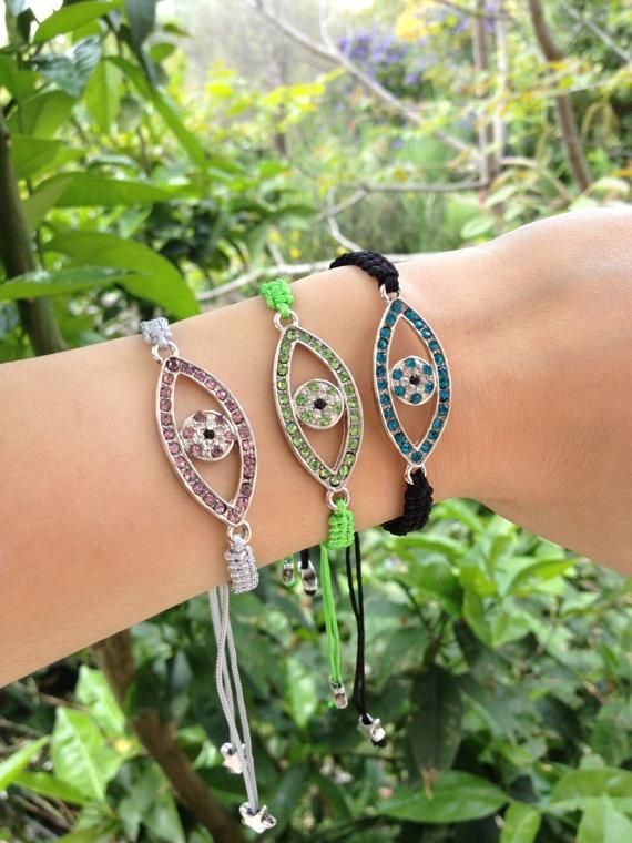 Macrame eye bracelets by HappyDonkey on Etsy, €8.00