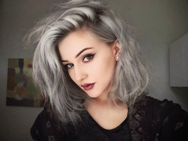 A moda do cabelo cinza