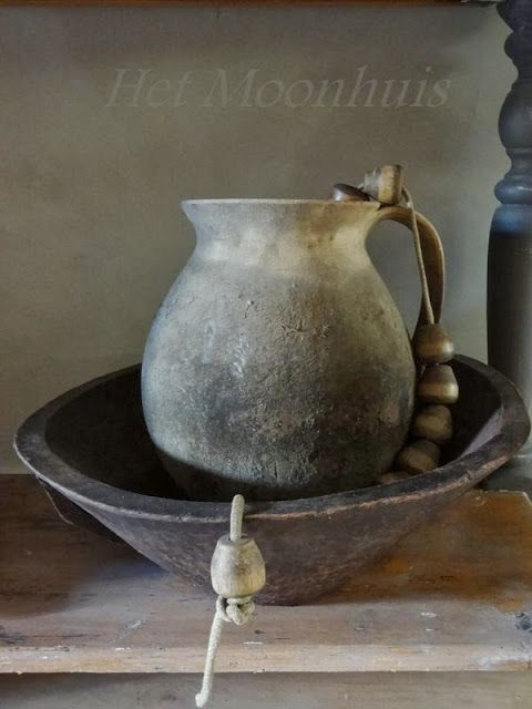 17 beste afbeeldingen over vazen kruiken potten schalen op pinterest grijs deco en magnolia 39 s - Deco eetkamer oud ...