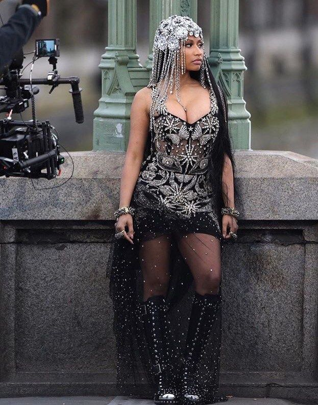 Nicki Minaj twerking on Instagram to celebrate breaking a record is too classic for words.