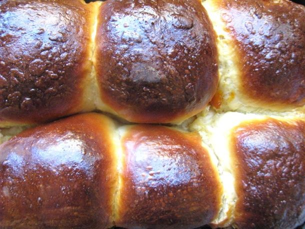 Buchtel (Austrian-style Fruit-Filled Sweet Rolls)    buchtel can be assembled the night before, then simply put in the oven before your guests arrive. Take the recipe as far as filling the buchtel and placing it into the loaf pan, then cover with plastic wrap and put refrigerate overnight. In the morning, take the buchtel out of the fridge and let them come to room temperature before baking.