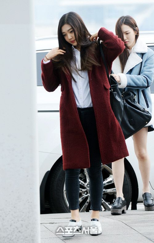 Red Velvet Joy Wendy Airport Fashion 150114 2015 Kpop Red Velvet Kpop Fashion Pinterest