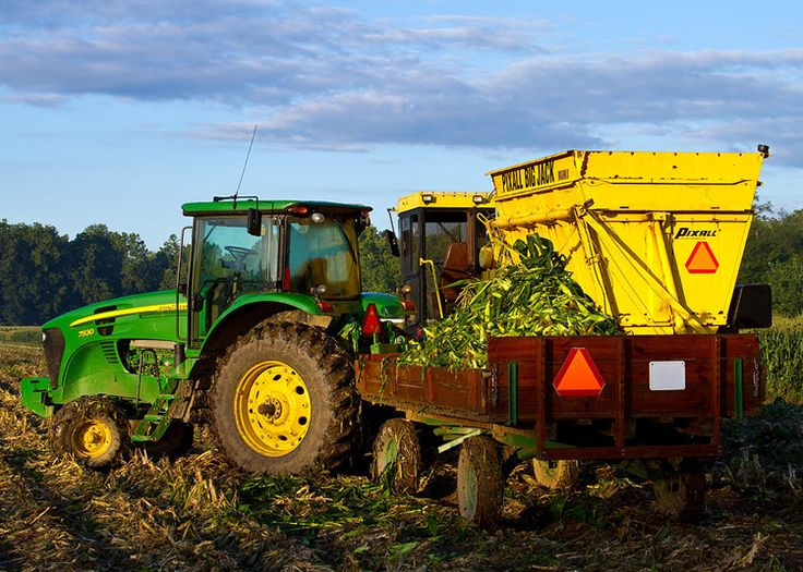 John Deere Combines In The Field At Night 21419 | VIZUALIZE