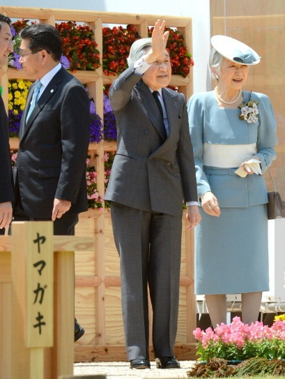 Empress Michiko, May 26, 2013 | The Royal Hats Blog-Emperor Akihito and Empress Michiko of Japan attended the national tree planting festival, Tottori, Japan