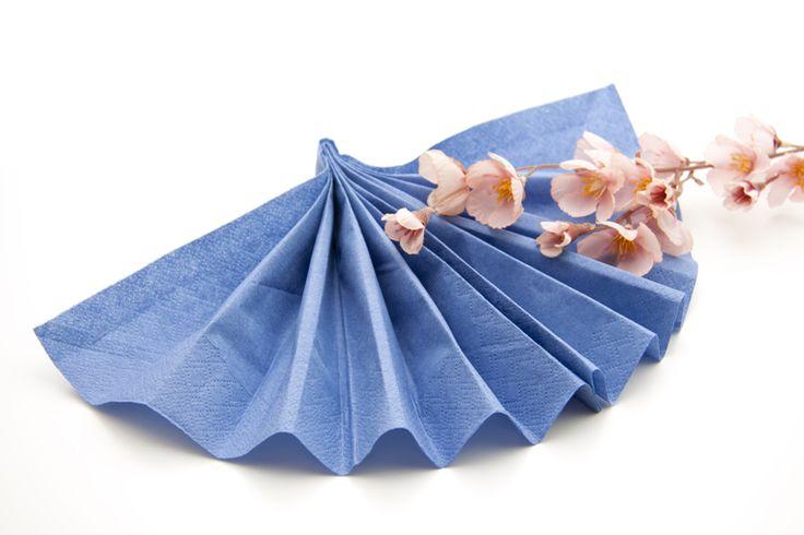 Oltre 25 fantastiche idee su piegare i tovaglioli su - Le regole del bon ton a tavola ...
