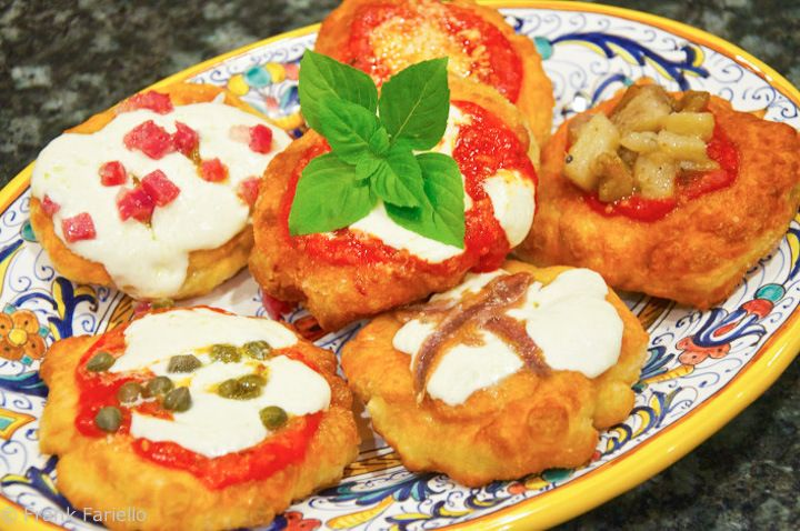Pizzette fritte (Fried Pizza Rounds) memoriediangelina.com