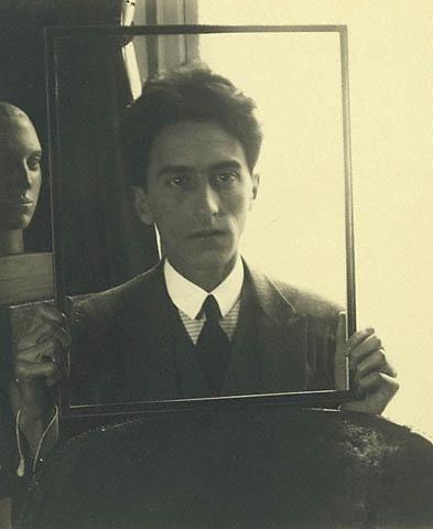 Man Ray, Dada portrait de Jean Cocteau., foto.
