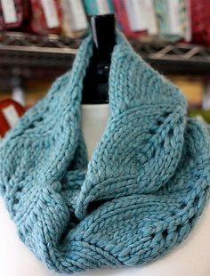 Vite Cowl Free Knitting Pattern with leaf pattern and more free cowl knitting patterns at http://intheloopknitting.com/cowl-knitting-patterns/