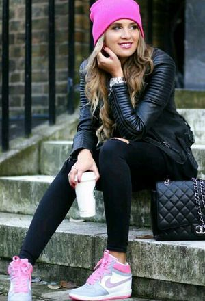 Look by @kitas with #bershka #sneakers #nike #jeans #forever21 #chanel #jackets #bags #beanies #hermoso.