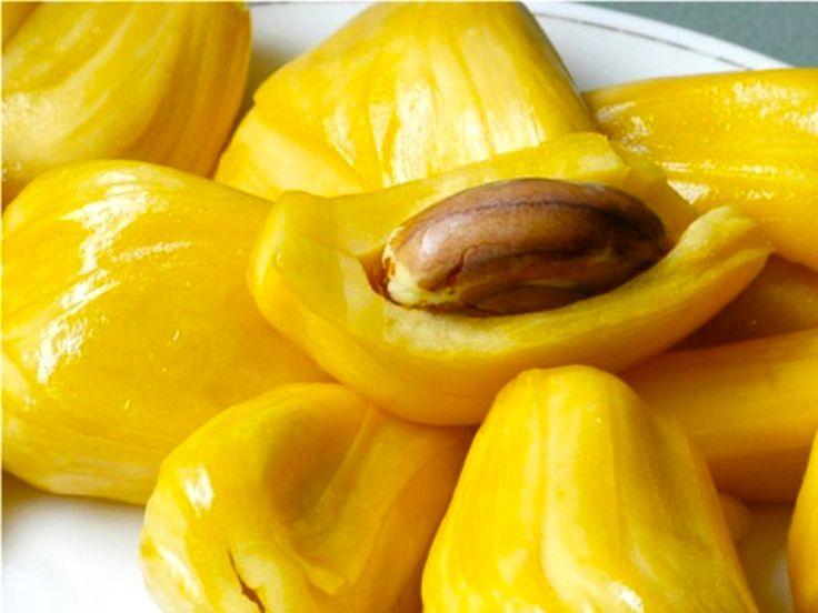 Du célèbre Durian au Thanh Long ( Fruit du Dragon ) ou Nhan ( Oeil du Dragon ) en passant par le fruit du Jacquier et le Mangoustan, découvrez les fruits à essayer