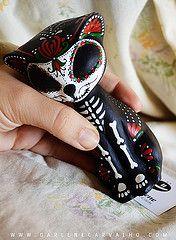Gato Skull de Darlene Carvalho  Vermelho e Verde (Darlene.Carvalho) Tags: skull gato decorao caveira pintura gatinho caveirinha caveiramexicana gatoskull