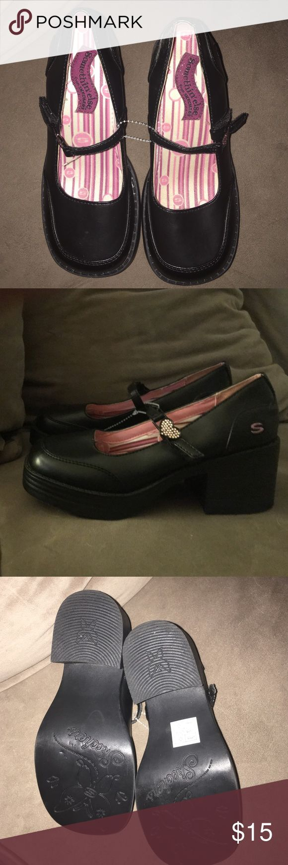 New Girls Skechers Black Heeled Loafers. Brand new without tags girls size 1.5 black loafers. Slight chunky heel and glitter heart Velcro closures make these shoes trendy and fun. My daughter loved them but needed a larger size (I didn't realize her feet had grown!). My loss is your gain! Skechers Shoes Dress Shoes