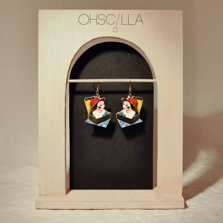 Earrings with pendant, OHSCILLA collection. Creature: The radio Plexiglass