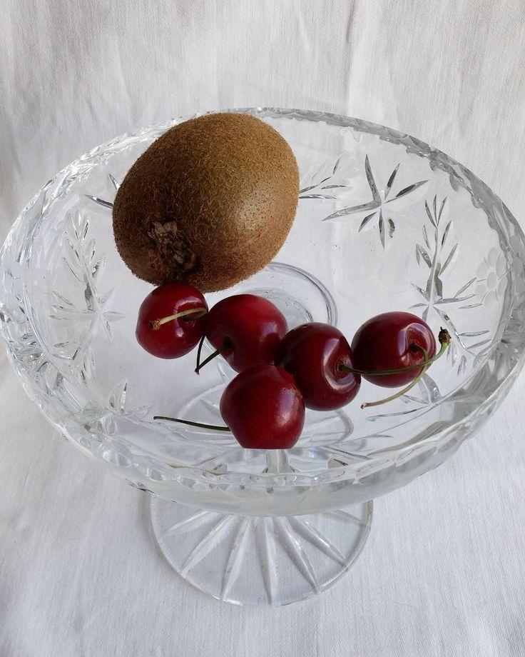 Kuka ne kaikki kirsikat söi?! #kiivi #kirsikka #marjat #ruokablogi #ruoka#kotiruoka #herkkusuu #lautasella #Herkkusuunlautasella#ruokasuomi