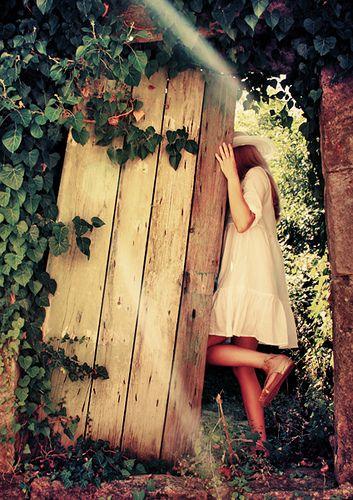 secret garden <3: Idea, Secret Gardens, Secret Garden, Garden Doors, The Secret Garden, Garden Secret, Fairytale