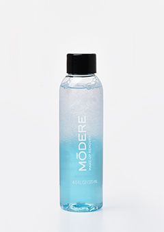 Makeup Remover is a dual-phase, liquid formula that removes makeup while leaving skin soft and conditioned.