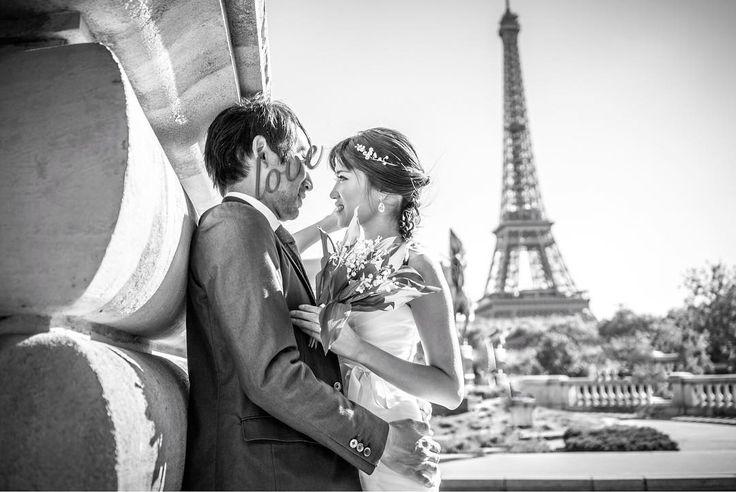 今回の #フランス ����旅では、記念と自分達の楽しみの為に #お洒落写真 も撮って来ました♪ 結婚からすでに一年半以上ですが��、思い入れのあるパリでお写真が撮りたくて�� * 気軽に楽しみたかったのでドレスも安いものだしヘアメイクも自分ですが、絵になるのが流石パリ‼️ 前日がメーデーでしたので、すずらんのブーケに着てみたかったマーメイドドレスを合わせてみました���� テーマは、「結婚式を飛び出してきちゃった二人」笑 * 写真まだまだ沢山あるので小出しにしていきます✨ #ウエディング #ウエディングドレス #マーメイドドレス #前撮り #パリ #エッフェル塔 #モデル 元 #パリジェンヌ #トリリンガル #25ansウエディングオフィシャルブライズ #ロケーションフォト #旅行 #旅行好きな人と繋がりたい #france #paris #weddingphoto #weddingtbt #weddingdress #wedding #photoshooting #girl #eiffeltower パリウエディングフォトは#yoko_paris にまとめます✨…