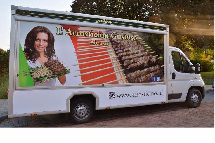L'Arrosticino Gustoso  L'Arrosticino Gustos zijn gespecialiseerd in de authentieke Italiaanse Arrosticini. L'Arrosticino Gustos betekent zoveel als Heerlijke Arrosticino die met passie en vakmanschap wordt bereid.