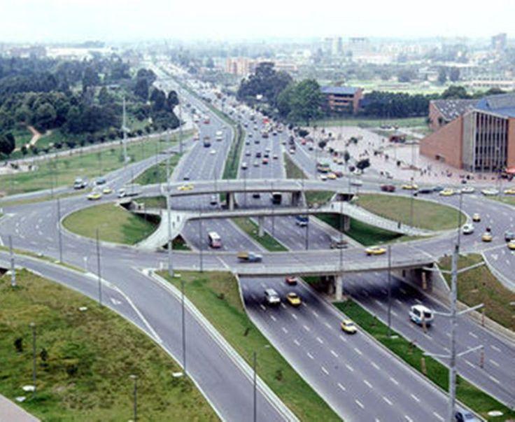 Avenida 68 con Parque Simon Bolivar , Bogotá D.C. Colombia