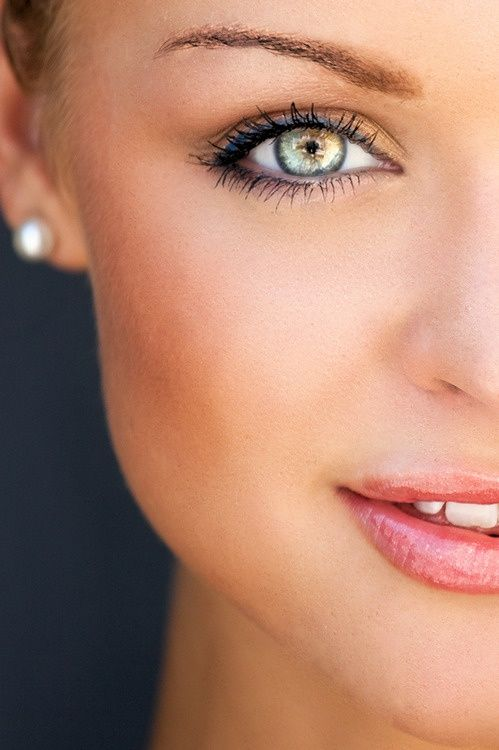 Stunning eyes and perfect makeup to show them off #provestra