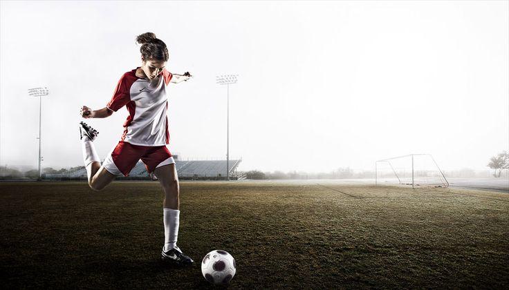Soccer senior picture ideas for girls. Soccer senior pictures. Senior pictures girls soccer. Sports senior pictures. #soccerseniorpictureideas #seniorpictureideasforgirls #soccerseniorpictures #sportsseniorpictures
